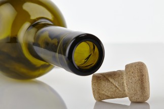 O-I-and-Amorim-develop-innovative-cork-for-wine-bottles